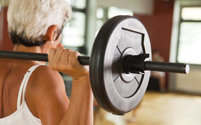 older-lady-lifting